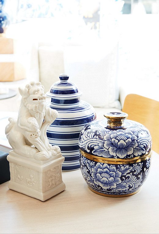 Whether a foo dog or an updated take on the ginger jar, we'll never tire of classic chinoiserie charm.