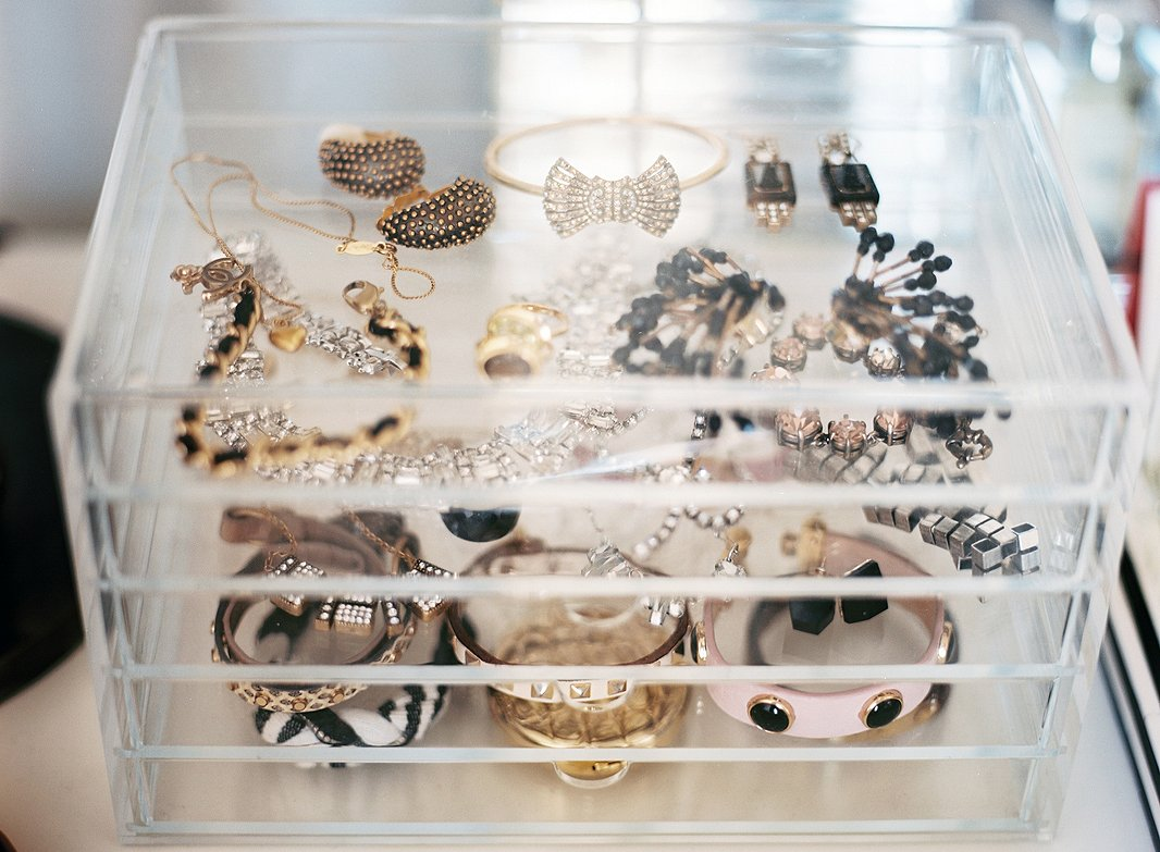 Watch How to Organize Necklaces video