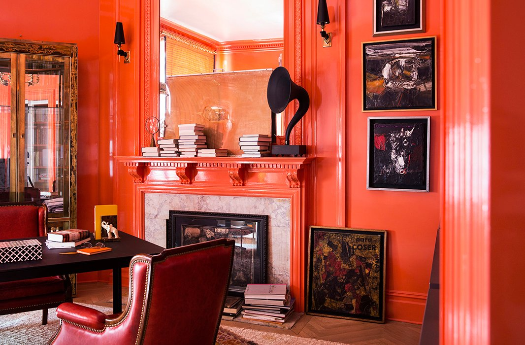 Roller Rabbit founder Roberta Freymann's bold and beautiful home office features glossy millwork and contrasting art. Photo by Lesley Unruh.