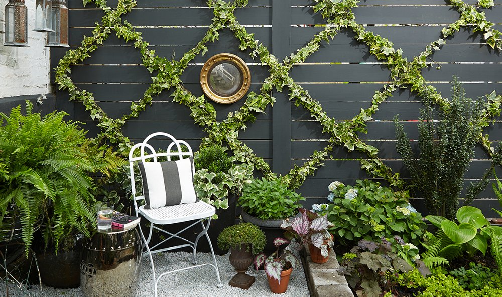 An Insanely Chic and Simple Garden Trellis DIY