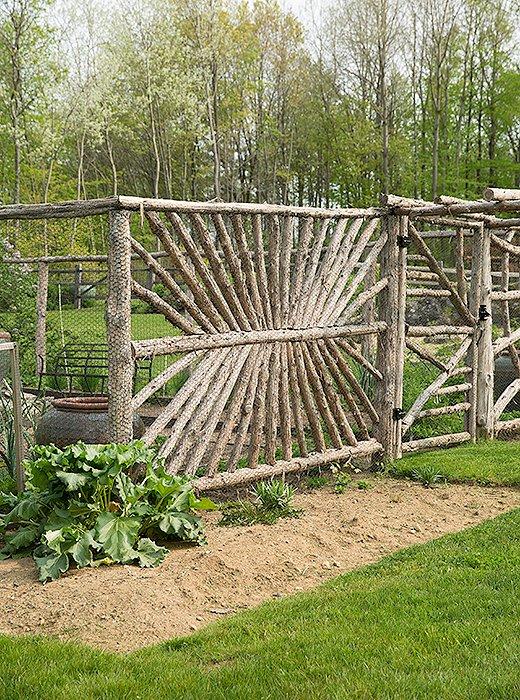 In addition to an orchard, the propertyhas a vegetable garden.