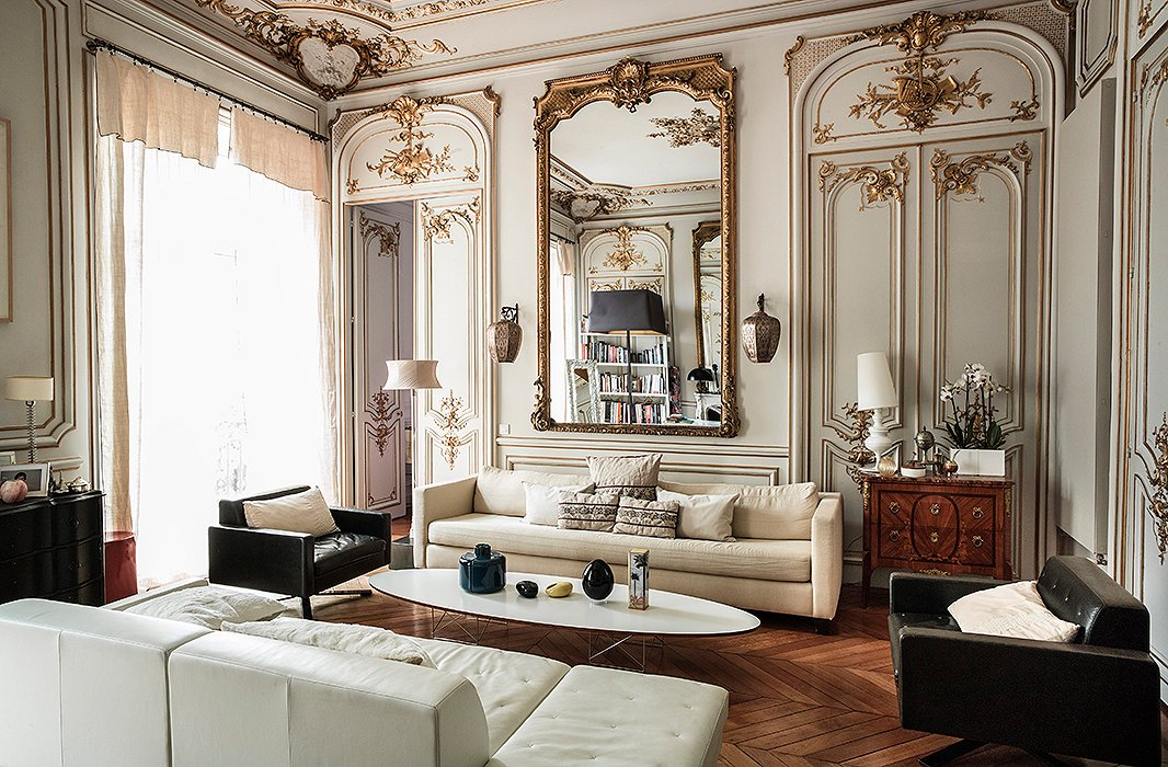 parisian bedroom. Photo by Claude Weber Interior Archive The Secrets of French Decorating  the Most Beautiful Paris Homes