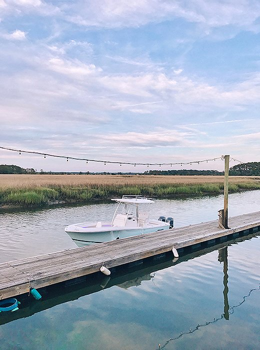 A short drive out of town rewards visitors with can't-miss views at the Wyld Dock Bar. Photo by @livelikeitsthewknd.