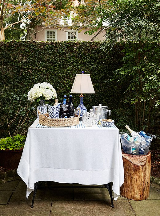 "The designer set up a self-serve bar in garden where guests could help themselves to drinks throughout the night. ""I always think that you should have everything available to drink at any kind of party—meaning liquor, beer, wine, champagne—because you never know what every single person drinks or what they're in the mood for."""