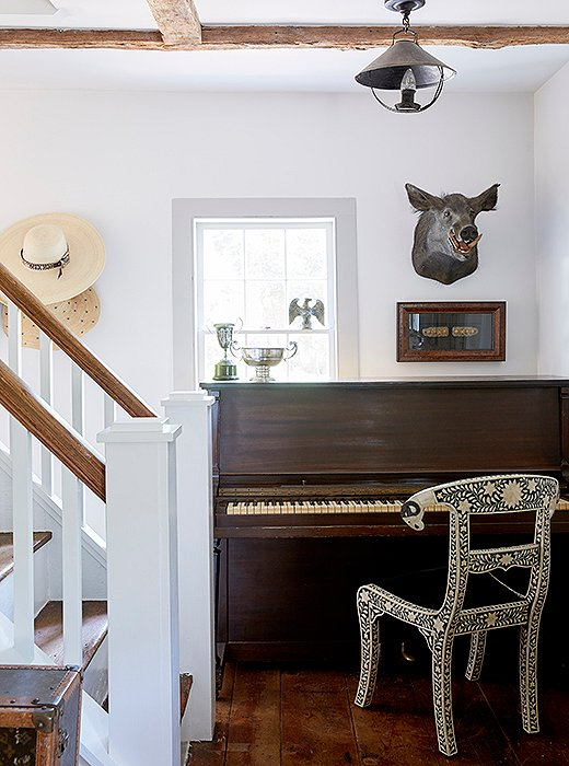Jennifer made room for a piano and chair in her entryway.