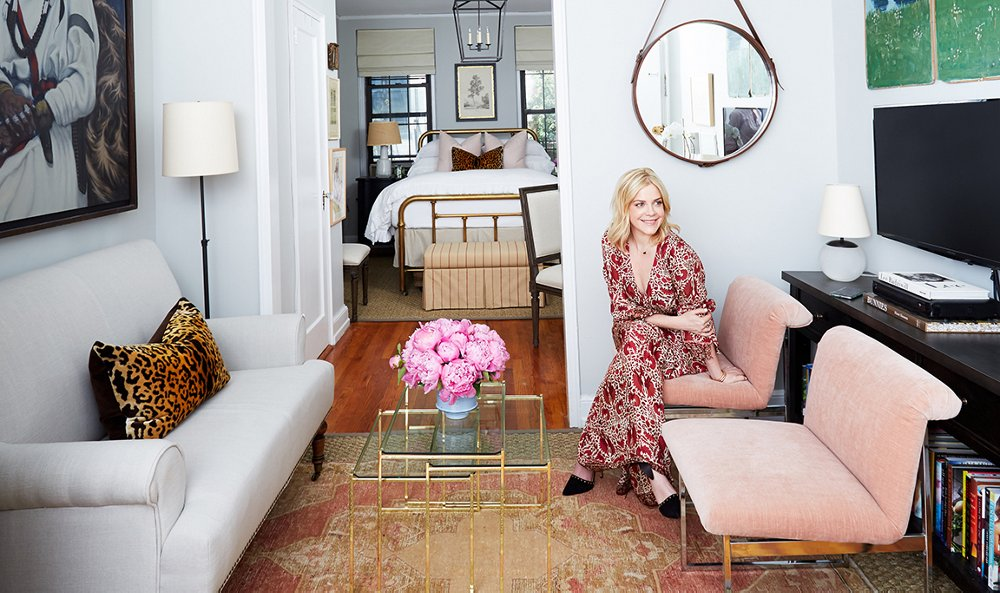 Living In 500 Square Feet Glamorous A Darling 500Squarefoot Apartment Makeover