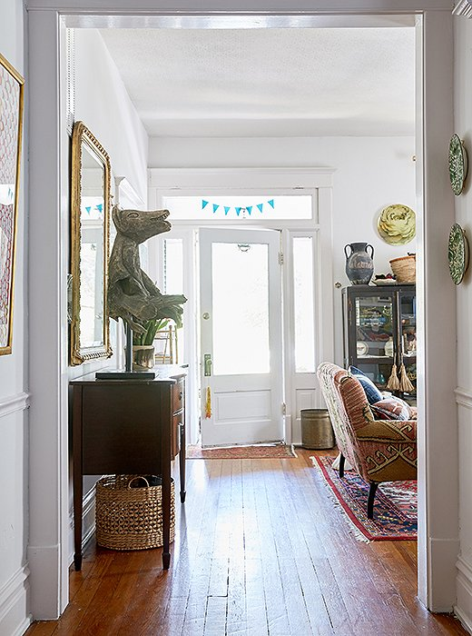 Kate invited us in for a visit to her charming home and inspiring studio—scroll on for a tour.