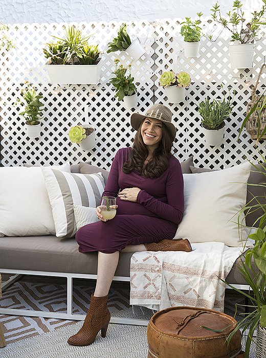 """Whitney sees small-space living as an opportunity, not a burden. """"If you have a small home, you can't keep acquiring stuff,"""" she says. """"So I'll switch up the look with some pillows or a throw. When I'm ready for a change, I'll donate the old ones so they never go to waste."""""""