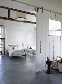 Photo by William Waldron/Interior Archive : modern farmhouse interior design - zebratimes.com