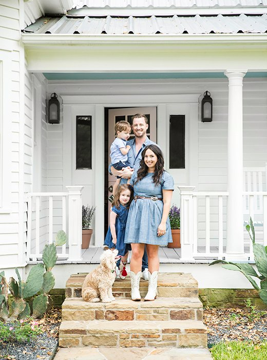 "Bailey, Pete, Grace, Harry, and dog Bella on the steps of their charming weekend retreat. ""The second I saw the old Victorian farmhouse I knew it was perfect for us.""<br />"