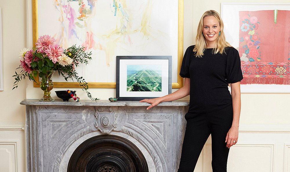 these expert tips for how to hang art will transform your home
