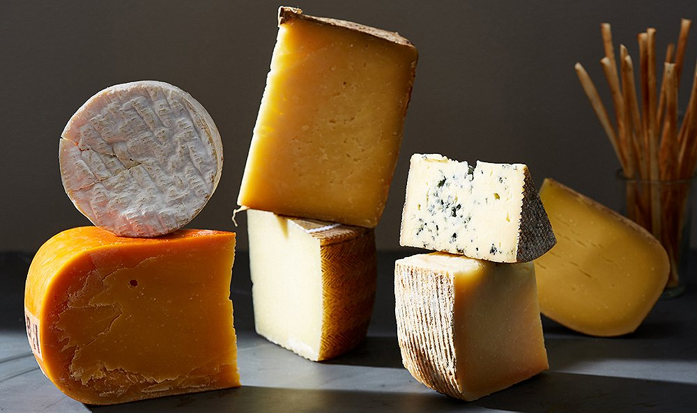 Your Guests Will Love These Crowd-Pleasing Cheese Boards