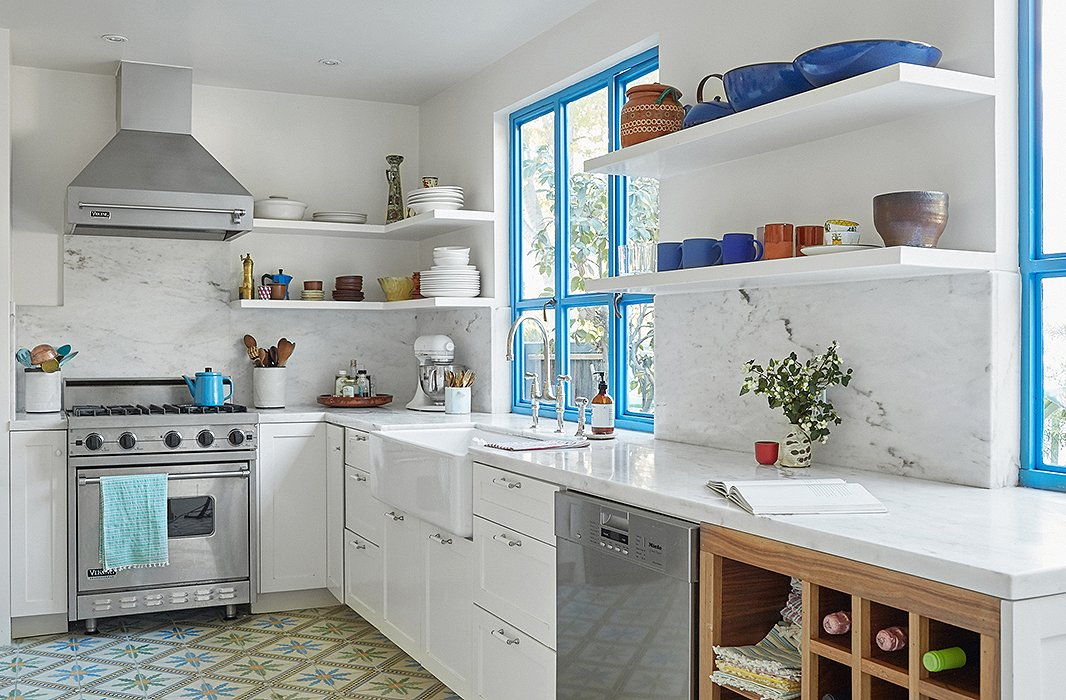 """The kitchen was inspired by Heather's frequent trips to Mexico with her husband, Alex de Cordoba. """"We are always chasing that vacation vibe,"""" she explains. """"It kind of makes us feel like we're in Mexico every morning."""""""