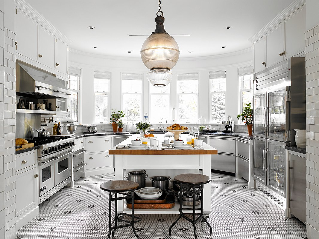 French bistro style kitchens for French kitchen design