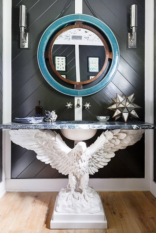 Touches of chrome and a convex mirrorgive this spaceaDeco exuberance. Photo by Lesley Unruh.
