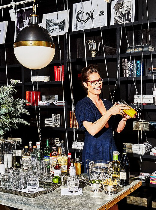 Ivy Mix is head bartender and co-owner of Leyenda, a coctelería in Brooklyn, NY.