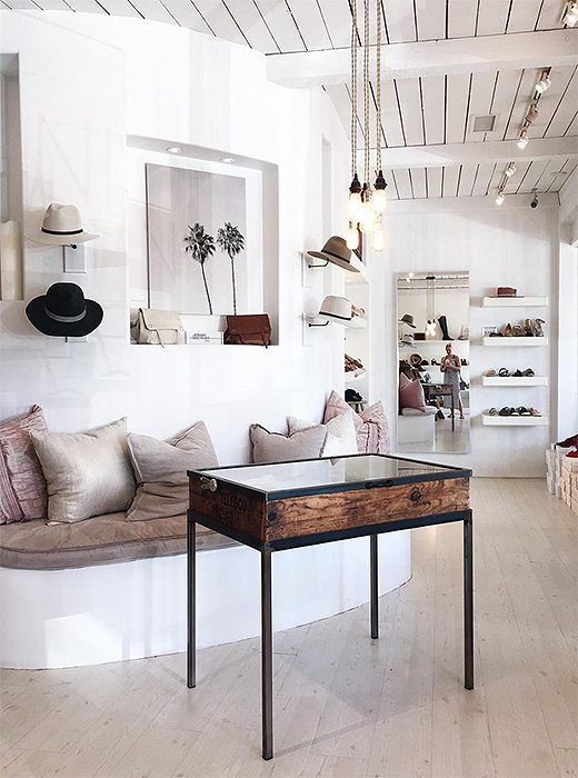 Beachy-chic Diani is a favorite of the fashion crowd. Photo by @citysage.