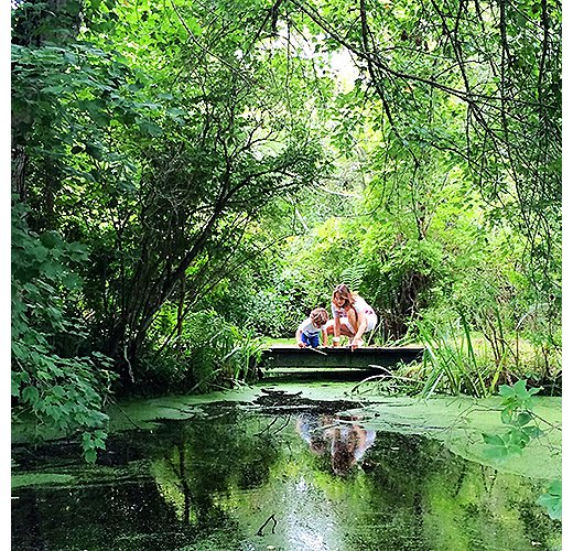 Ana and her son love to explore East Hampton's Duck Pond. Photo by @ananewyork.