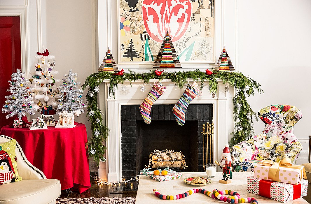 5 Festive Holiday Mantel Decorating Ideas