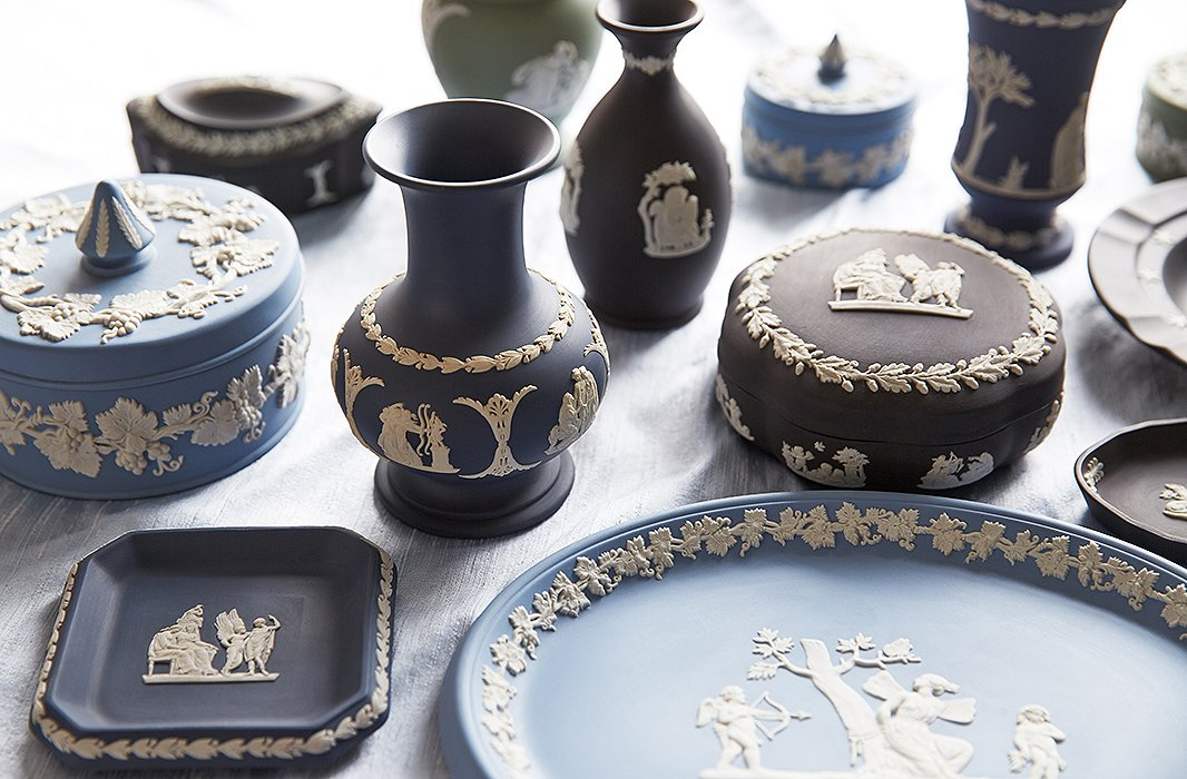 Wedgwood jasperware, which the company began manufacturing in the late 18th century, is a staple of London markets.