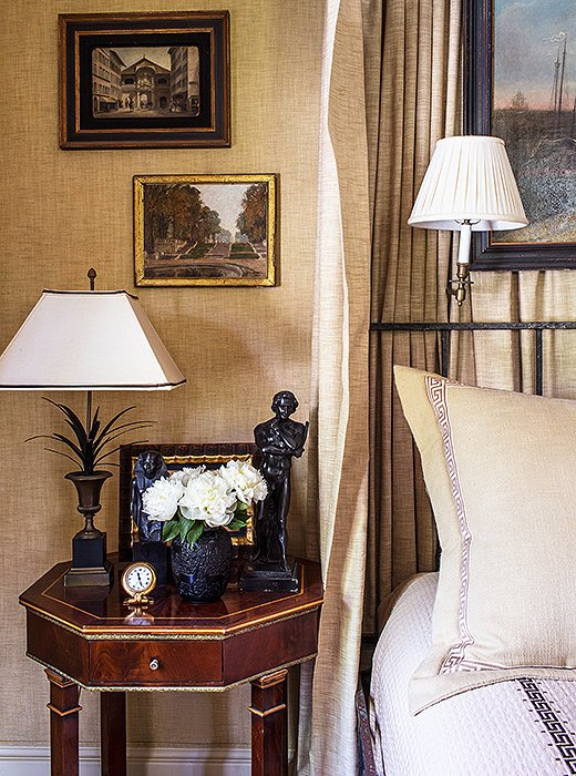 A statementlamp feels even moreelevated when topped witha spirelike finial. Photo byNicole LaMotte.