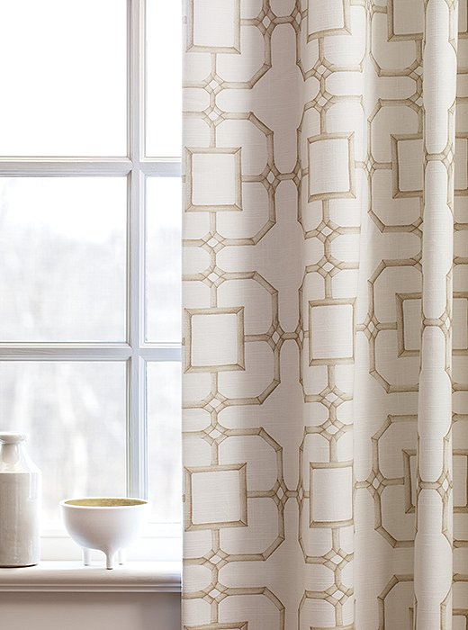 This traditional motif works well in formal rooms and relaxed spaces alike.