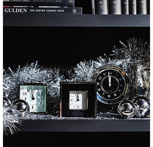 Let the countdown begin! On New Year's Eve, chic clocks become part of the party decor.