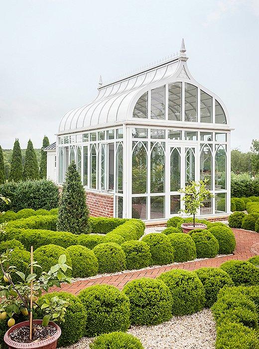 Landscaping ideas to steal from a designer garden for Greenhouse architecture design