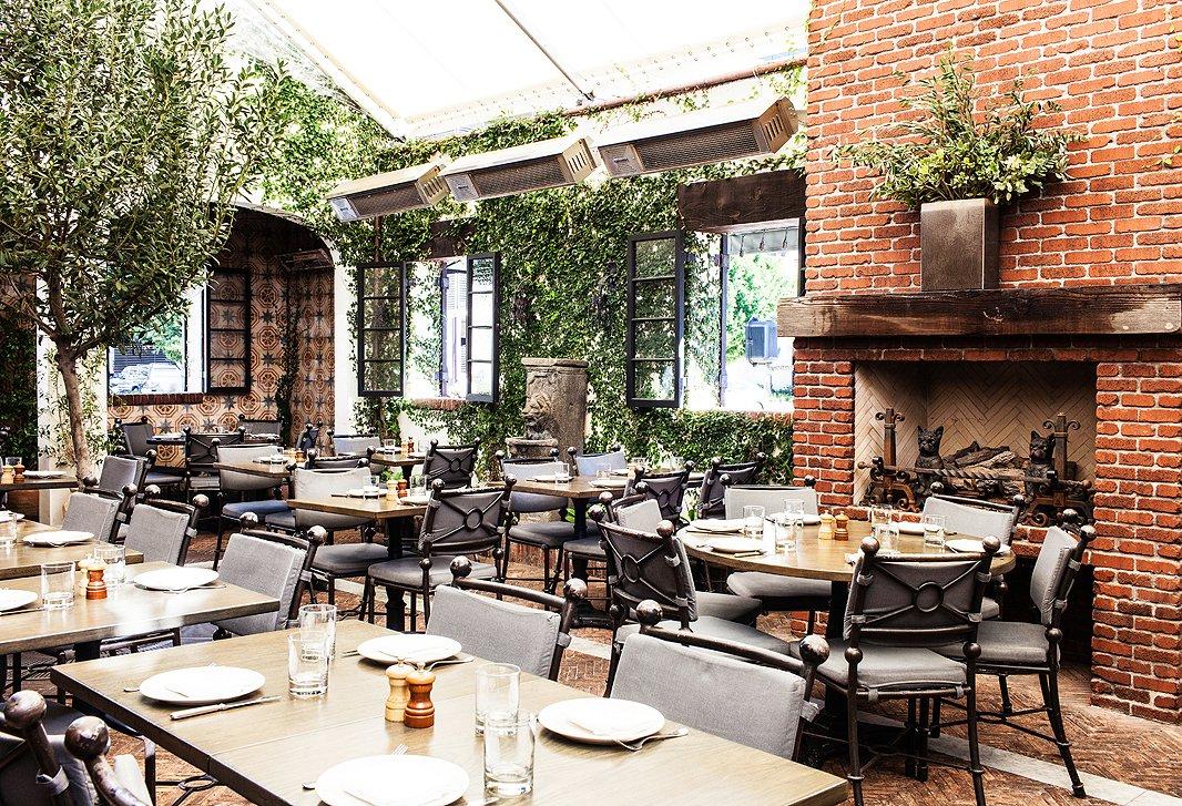 Designer Tips From L A S Aoc Restaurant One Kings Lane