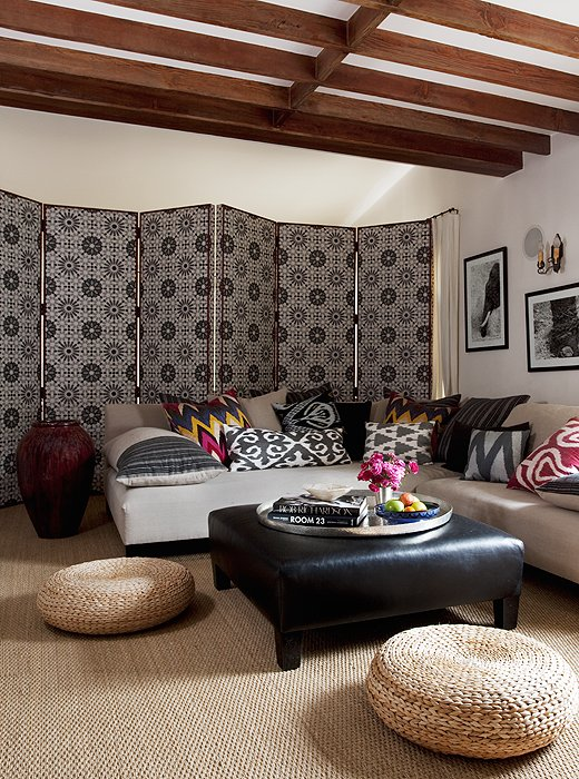 8 Ideas for Adding Impact Above Your Sofa – One Kings Lane
