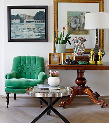 Captivate with an Emerald Seat