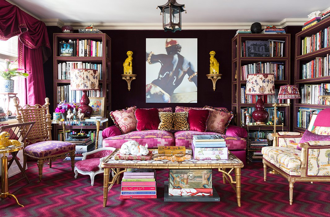 Foo dogs, bamboo-style furnishings, pagoda motifs, ginger jars: Nearly every style of chinoiserie is present in designer Alex Papachristidis's New York living room.