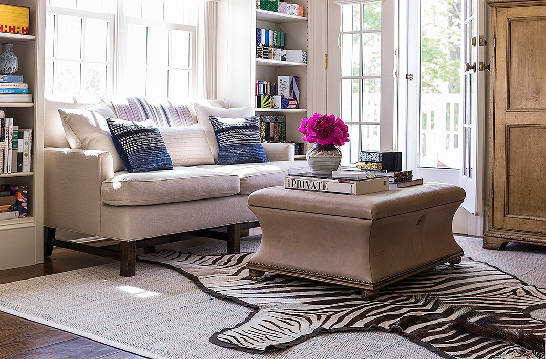 6 easy ways to master the layered rug look - Decorating with area rugs ...