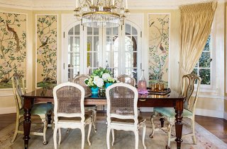 How to Pull Off the Mismatched Dining