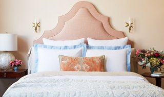 Find Your Perfect Bed Pillow Arrangement Find