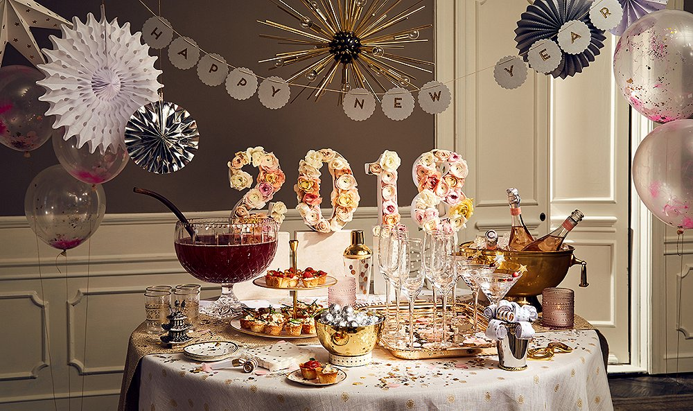 How to Host a Chic and Easy New Year's Eve Soiree