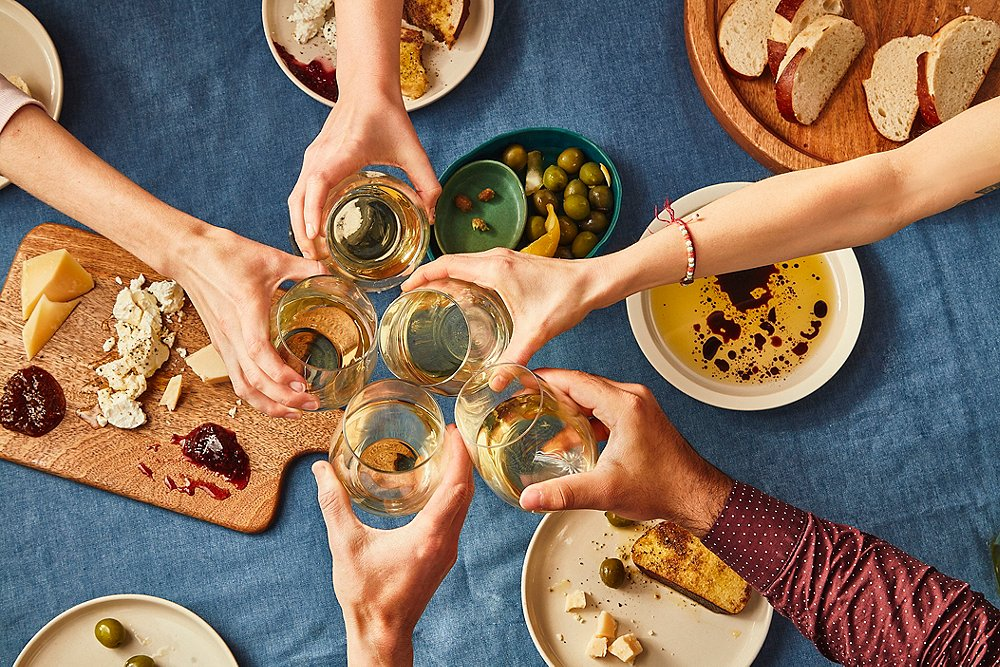 How to Host the Easiest Dinner Party You'll Ever Throw