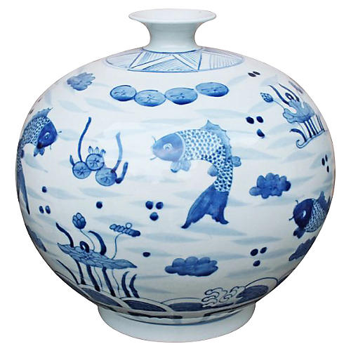 "12"" Feeding Fish Vase, Blue/White"