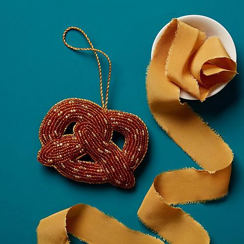 Pretzel Beaded Ornament, Gold/Clear