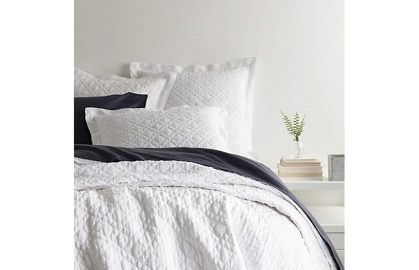 Washed Linen Quilt, White