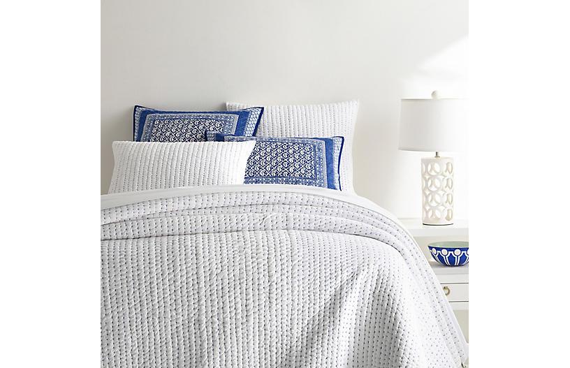 Atlantic Quilt, White/Blue
