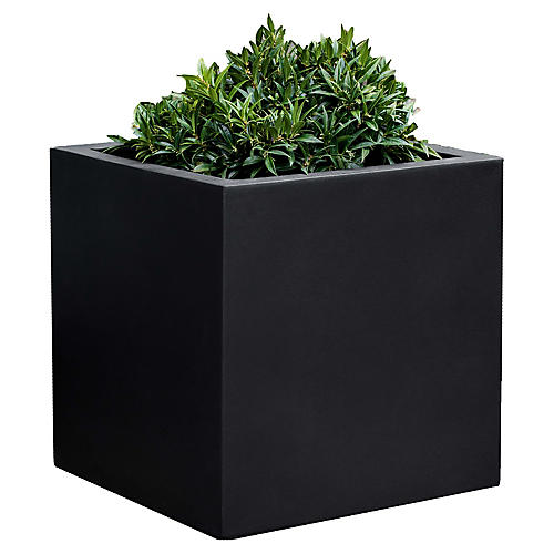 "18"" Farnley Outdoor Planter, Black Onyx"