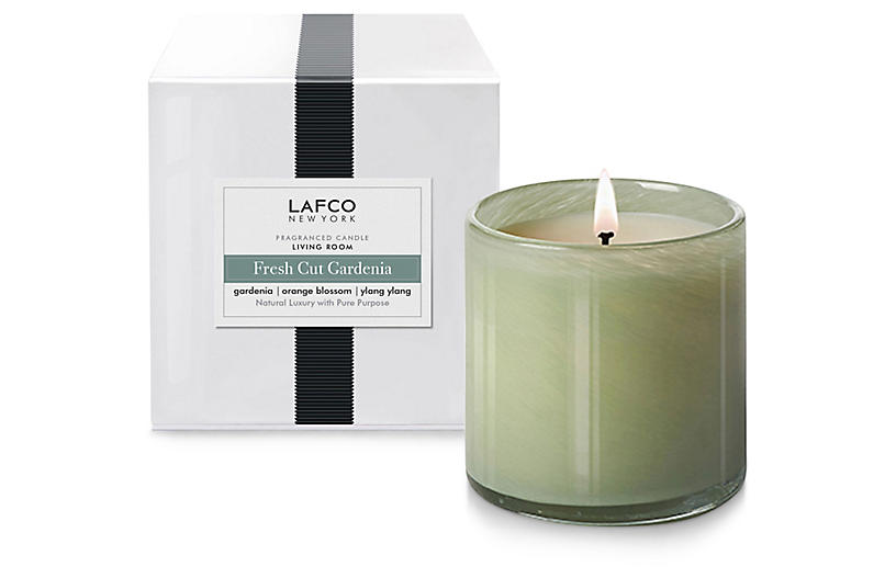 Signature 15.5 oz Candle, Fresh-Cut Gardenia