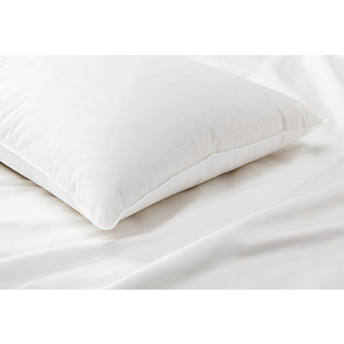 Montreux Medium Pillow, White