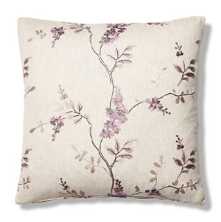 Pillows & Throws Header Image