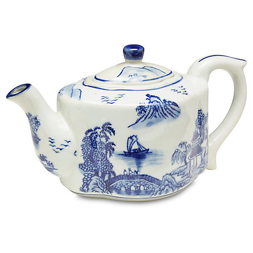 Decorative Chinoiserie Scene Teapot
