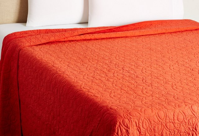 Optic Bloom Quilt, Coral