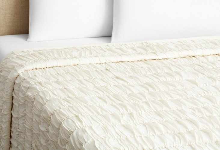 Nosette Ruched Quilt, Ivory