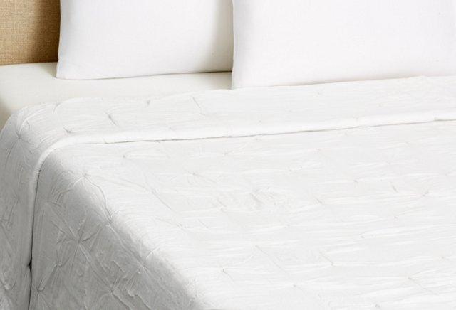 Diamond Pintuck Quilt, White
