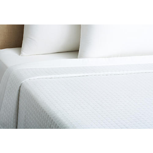 420 TC Quilted Coverlet, White